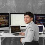 アプリケーションエンジニアは副業でもできるの?仕事を獲得する方法と収入の目安