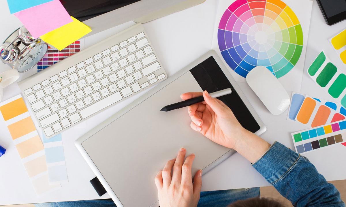 未経験でグラフィックデザイナーを目指すならスクールへ!