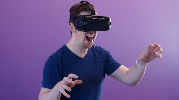 VR業界へ未経験から転職する方法